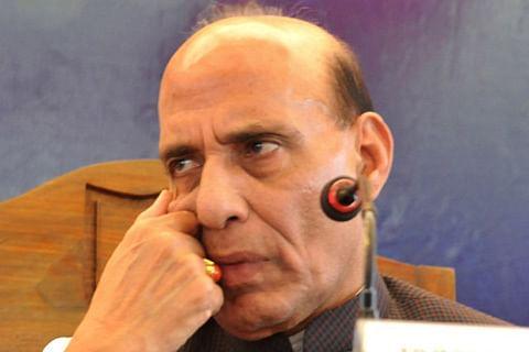 Rajnath reviews security situation in Kashmir