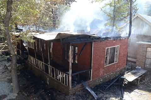Clashes erupt in Vihil after people defy curfew; school gutted