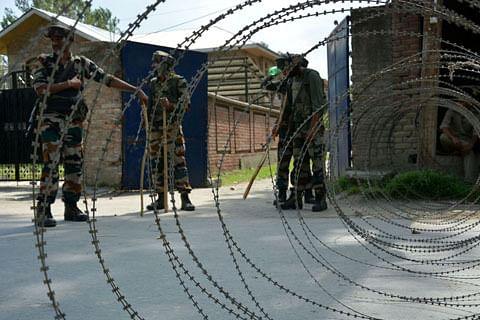 Day 77: Curfew-like restrictions, shutdown continue in Kashmir