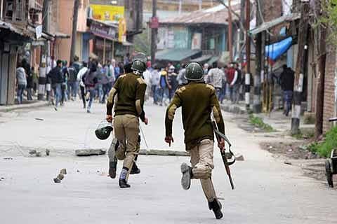 Policeman's brother thrashed in Natipora
