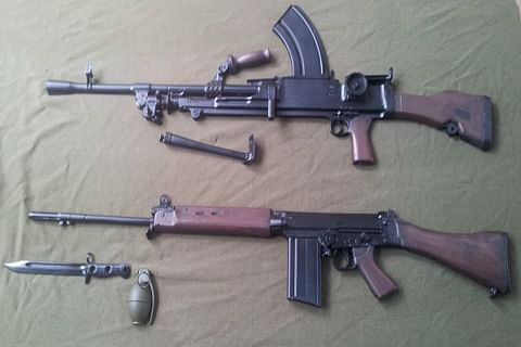 Suspected militants snatch five rifles from police picket in south Kashmir