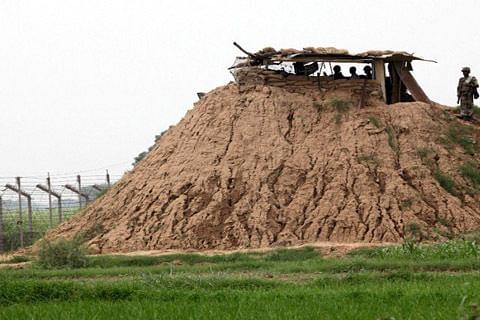 India, Pakistan border guards exchange fire along LoC in Rajouri