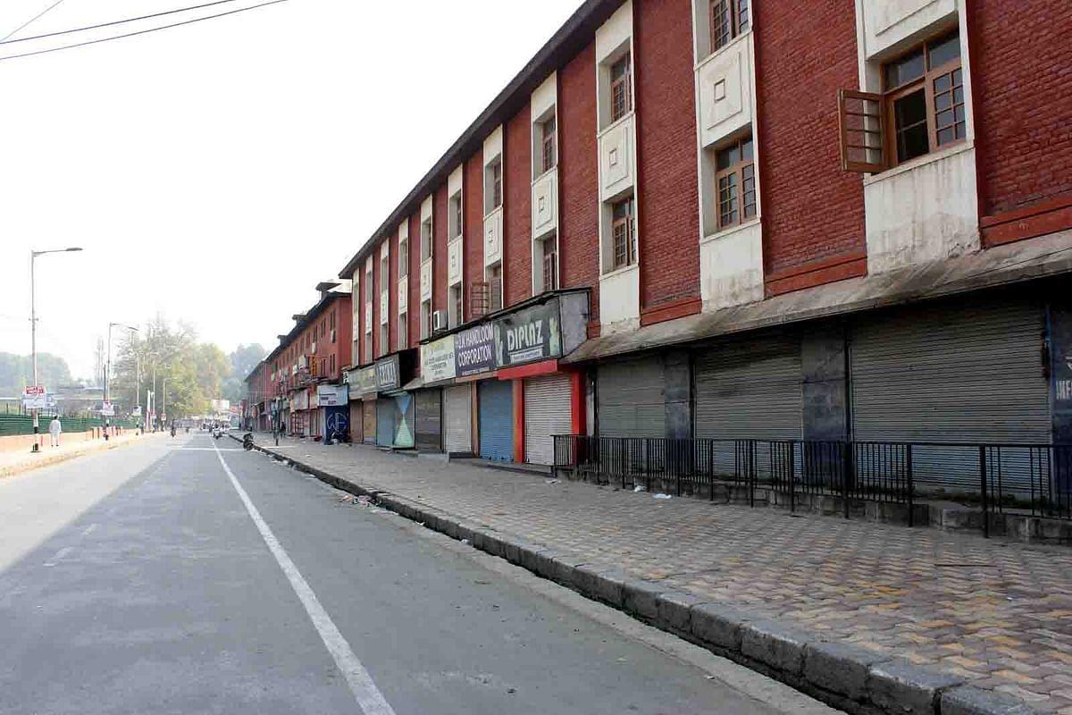 Kashmir shut for 88th consecutive day