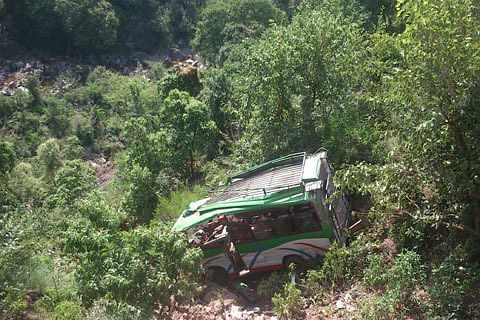 School students among 4 killed, 35 injured in Udhampur road accident