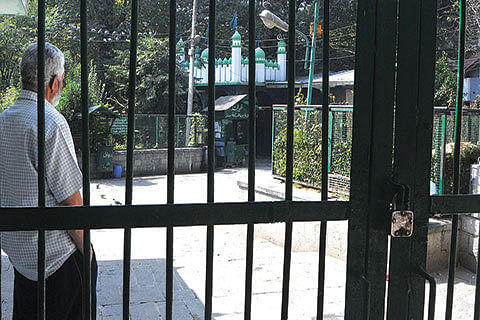 DAY 91: Govt foils 'UN Chalo' with curfew
