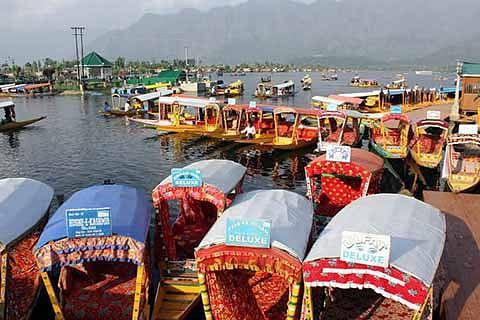 Rs 4,000 cr loss to Kashmir tourism