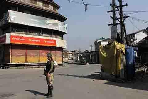 Srinagar put on lockdown to foil protest march