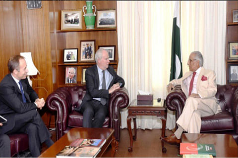 Pakistan urges Britain to help restart talks with India