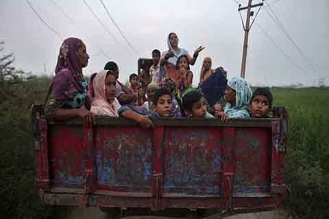 Shelling triggers mass migration from border belts