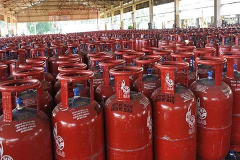 Subsidised LPG rate hiked by Rs 2 a cylinder, jet fuel up by 7%