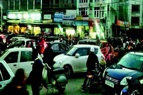 Evening traffic jams irks commuters in city-centre