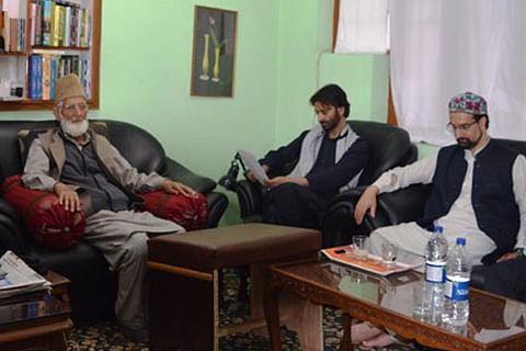 Geelani, Malik, Mirwaiz hold joint meeting at Hyderpora
