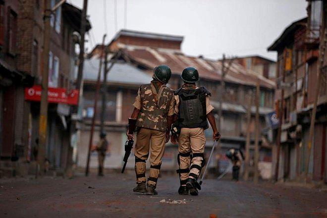 Day 121: Heightened vigil in Srinagar as shutdown continues across Kashmir
