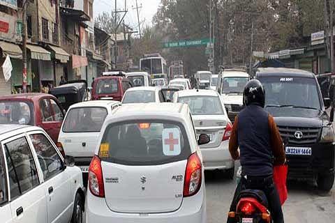 Traffic jams haunt commuters
