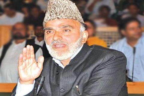 Sagar reviews arrangements for Urs Makhdoom Sahib (RA)