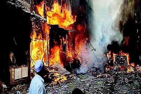 30 killed, 100 hurt in Pak shrine blast