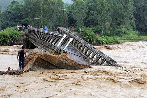 Government begins implementation of  1600 crore flood reconstruction programme
