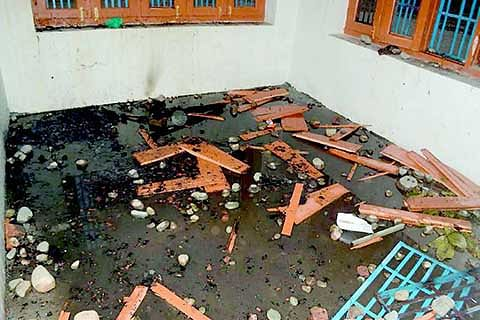 Panchayat ghar torched at Arigam