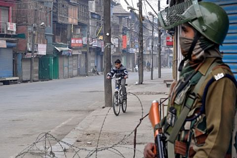 Life in Kashmir affected as two-day relaxation in shutdown ends