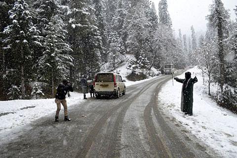 Season's first snowfall in Kashmir