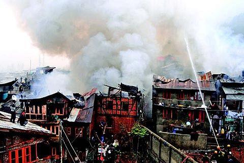 1 DIES, 16 HOUSES GUTTED IN DEVASTATING FIRE AT DALGATE
