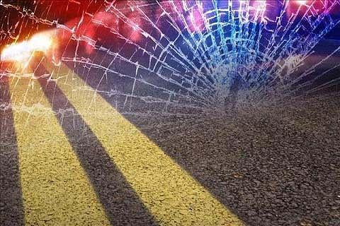 Three injured in road mishaps in Kashmir