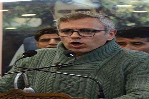 Omar dares CM to hold polls in Anantnag, Srinagar