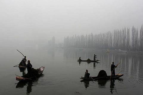 Light rains in Kashmir plains; snow in Zojila, Sonamarg
