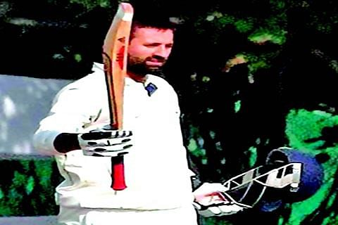 Ranji Trophy: Parvez shines with bat and ball