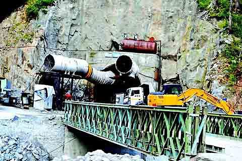 Ramban dev projects: Unemployed engineers cry violation of MoU