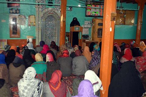 Dukhtaran-e-Millat organizes pro-freedom convention in Pulwama