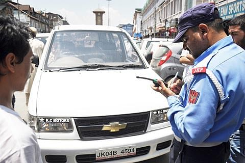 Police officer 'turns common man' to review policing on highway, finds cops taking bribe at nakas