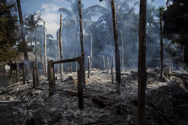 Human Rights Watch accuses Myanmar army of burning Rohingya houses