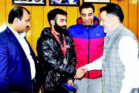 Govt making consistent efforts to expand sports infrastructure: Imran Ansari