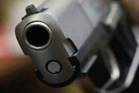 Video: Gunmen loot around 11 lakh rupees from bank in Pulwama