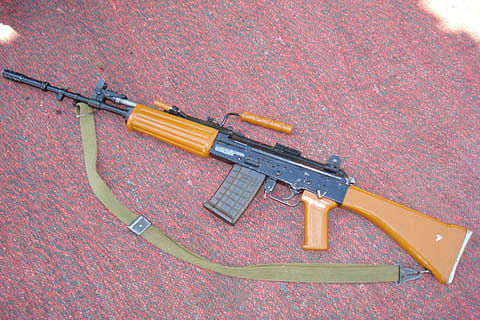 Rifle snatched from cop in south Kashmir's Kulgam