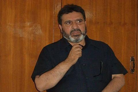Altaf Bukhari congratulates Fayaz Kaloo, calls him doyen of modern journalism in Kashmir