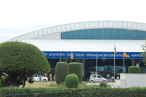 High Court takes cognizance of passengers' difficulties at Srinagar Airport