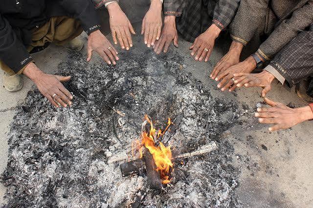Leh, Srinagar record season's coldest night