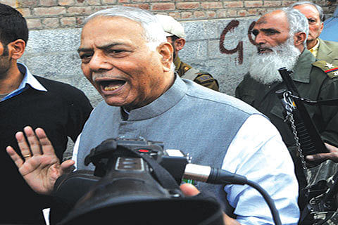 Talk to Hurriyat: Yashwant Sinha to Centre