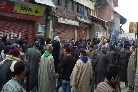 Protests in Tral against SC verdict, domicile to West Pak refugees