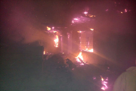 Mother-daughter duo charred to death in 'mysterious' fire in J&K's Surankote