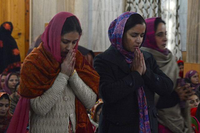 Kashmiri Sikhs Offer Special Prayers on Gurpurab