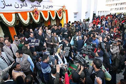 Kashmir killings dominate legislature on Day 1