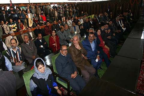 GOVERNOR'S ADDRESS: Dialogue imperative for resolution of conflicts: Vohra