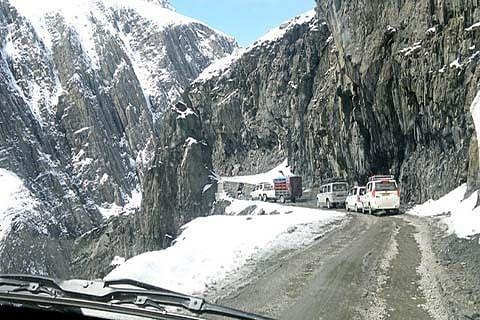 DRY SPELL IN KASHMIR: Sgr-Leh highway open