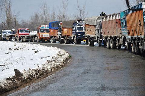 Traffic Police issues advisory for movement of vehicles on Srinagar-Jammu highway