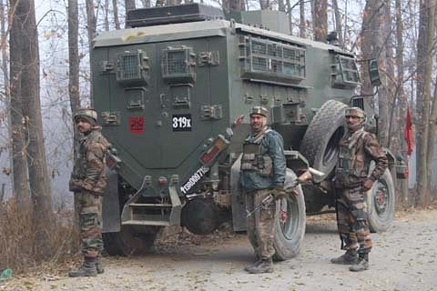Gunshots fired after army cordons off Hajin village