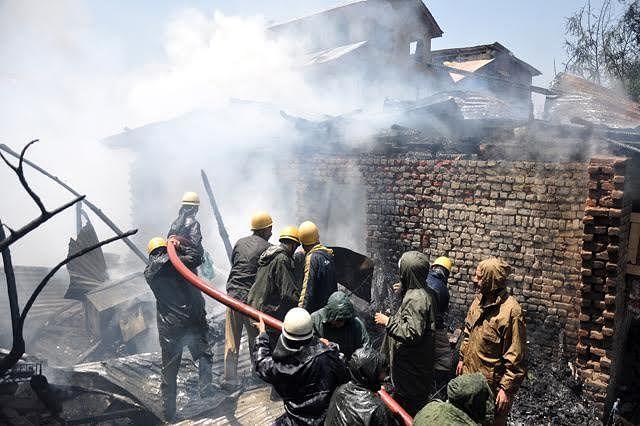 Timely action averts damage to CRPF camp at Karan Nagar