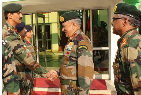 Bad weather cuts short army chief's visit to J-K